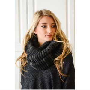 Accessories - New Chunky infinity scarf 🧣